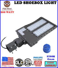 24000LM Outdoor LED Street Light 200W Commercial IP68 Dusk to Dawn Shoebox Light