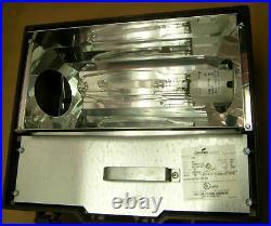 250 Watt Flood Light Fixture With Buld HPS Multi-tap