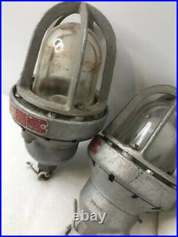 2x KILLARK D 4065 LIGHT FIXTURE EXPLOSION PROOF INDUSTRIAL SALVAGE Matched Pair