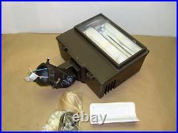 Cooper 250 Watt Flood Light Fixture With Buld HPS 120v 277v With Parts