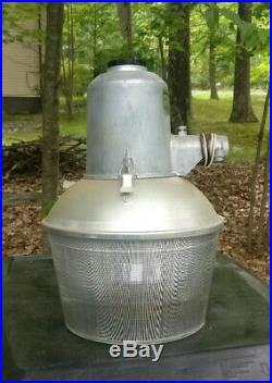 DUSK to DAWN Barn LIGHT 175W 120V Mercury Vapor Lamp VINTAGE Norelco never used