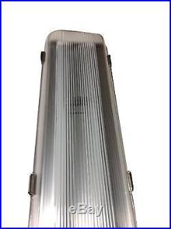 LED Vapor Tight Walk In Freezer Cooler Light Fixture 4' 48 Watt LED NEW -40°F