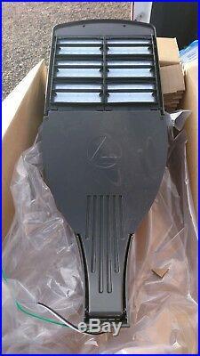 Lithonia Lighting DSX1 LED 60C 1000 40K T4M MVOLT HS SPA PER DDBXD