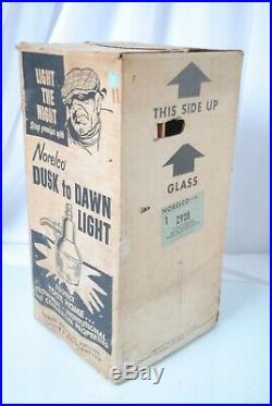 VINTAGE DUSK to DAWN Barn Shop LIGHT 250W Mercury Vapor Lamp Norelco Philip Z928