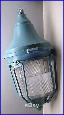 Vintage Classic Lantern Style Aluminum Street Lamp Light Fixture Post Top Mount