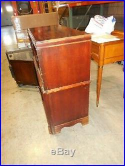 Vintage Zenith Model H1086R Radio Phonograph Combination